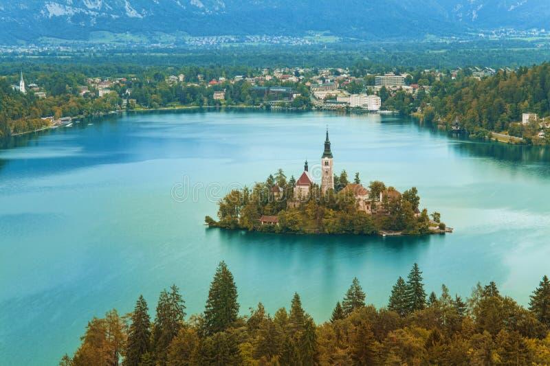 Jesień lub sezon jesienny w Krwawiącym jeziorze obrazy royalty free