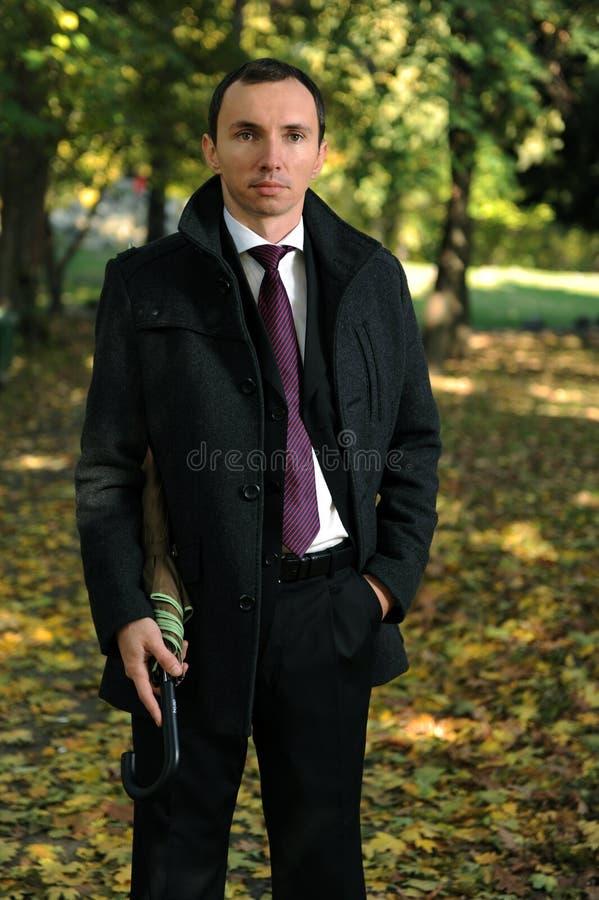 jesień mężczyzna park obrazy royalty free