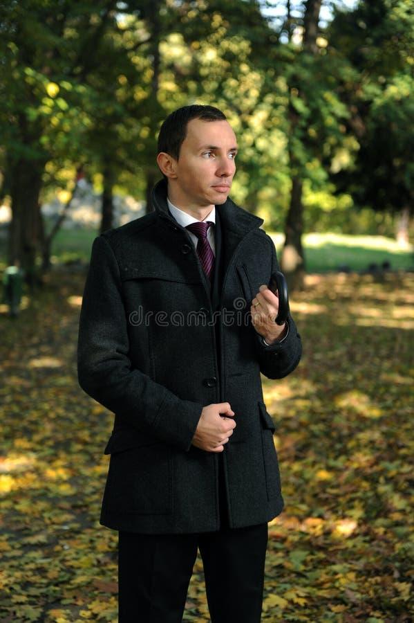 jesień mężczyzna park fotografia royalty free