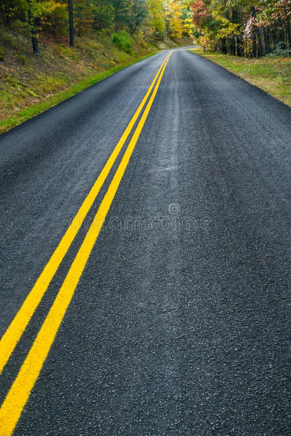 Jesień na Błękitnej grani Parkway jezdni, Virginia, usa obrazy royalty free