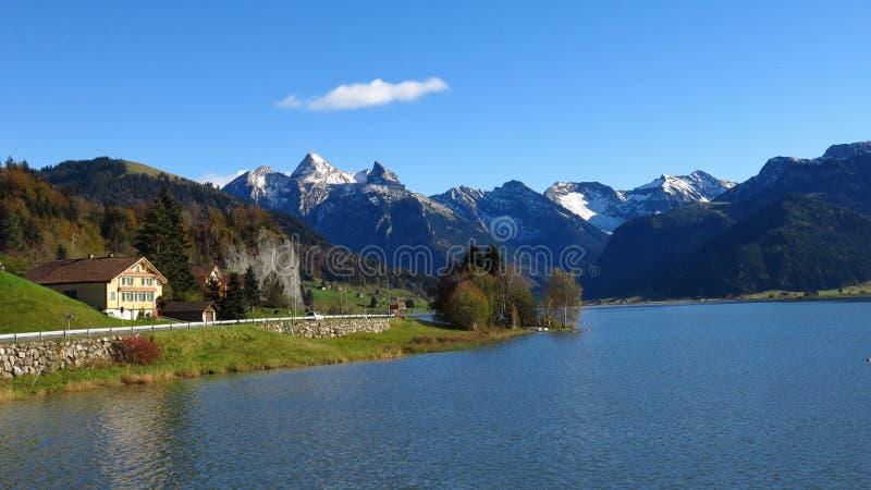 Jesień przy jeziornym Sihlsee fotografia stock