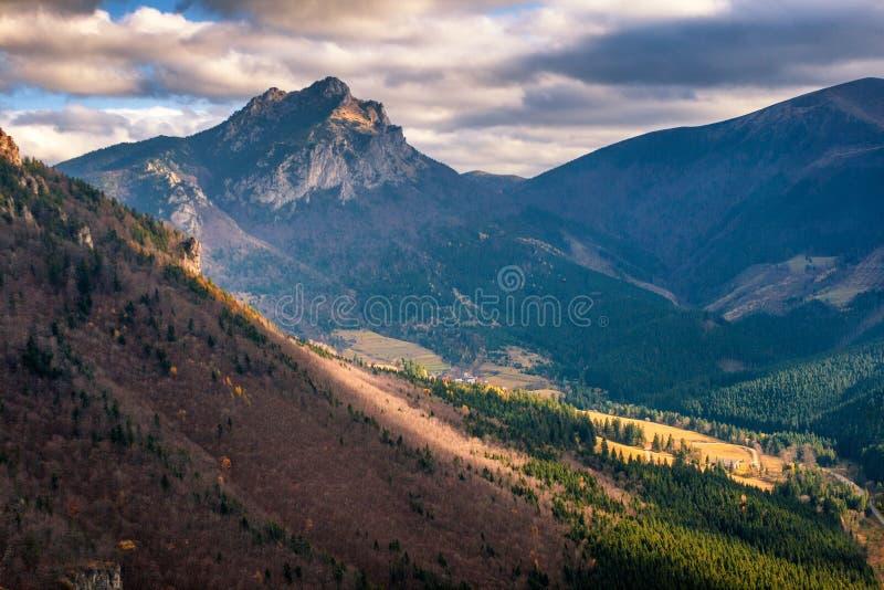 jesień sezon krajobrazowy halny obrazy royalty free