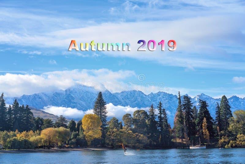 Jesień 2019 tekst - wybrzeże Queenstown Nowa Zelandia zdjęcie royalty free