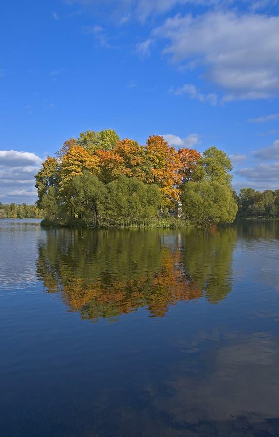 Jesień wyspy target165_0_ fotografia stock