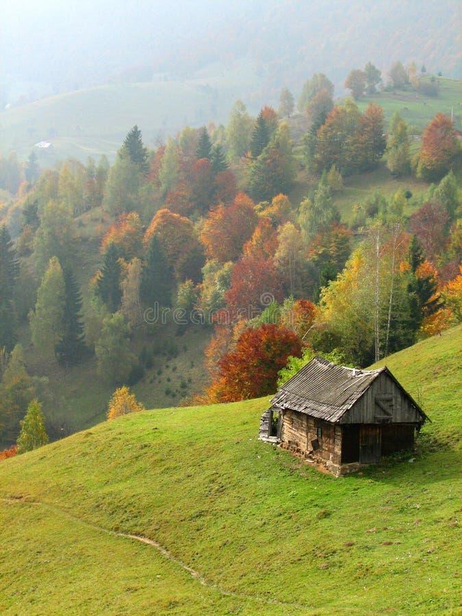 jesień wzgórzy dom stary zdjęcie royalty free