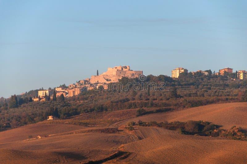 Jesień zmierzchu krajobraz Val d ` Orcia na tła Castiglione d ` Orcia, Tuscany, Włochy obraz royalty free