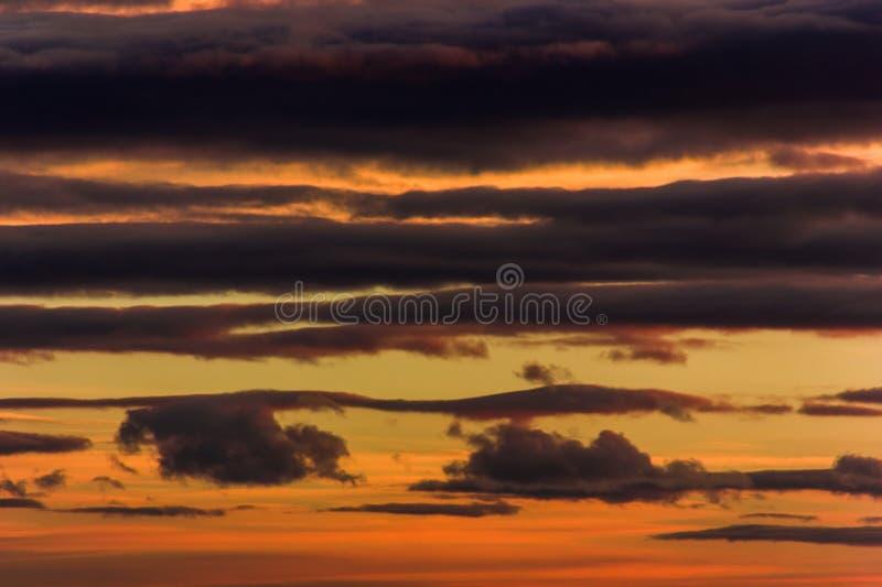 Download Jesień Zmierzch W Czeskiej Wsi Obraz Stock - Obraz złożonej z kolor, jaskrawy: 106914453