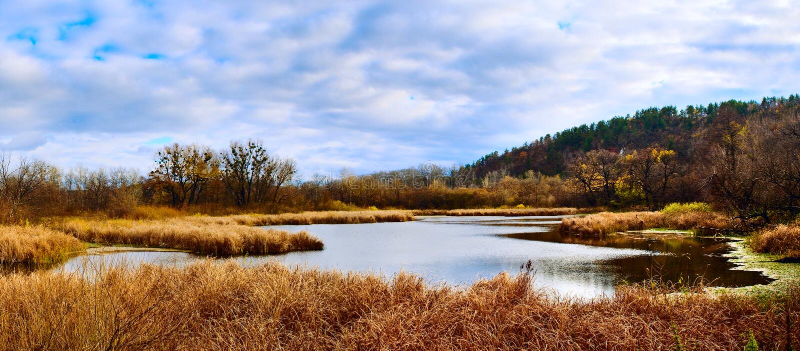 jesienią jeziora krajobrazu zdjęcie royalty free