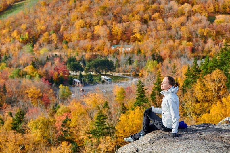 JesieniÄ… uczÄ™szcza na wycieczkÄ™ artystki Bluff fotografia royalty free