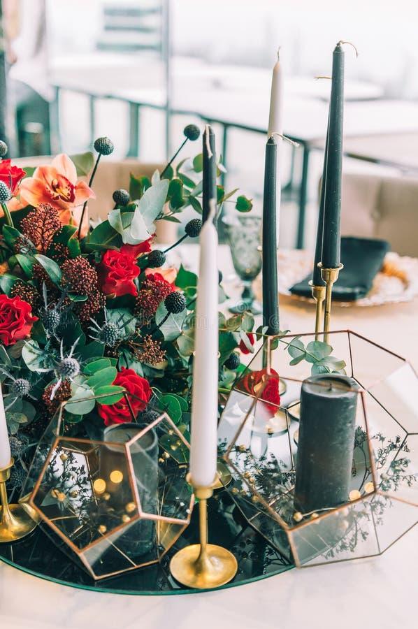 Jesieni ślubna dekoracja i ślubny bukiet obrazy stock