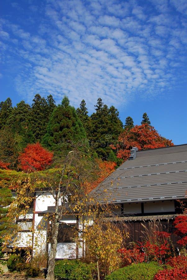 Jesieni Buddyjska świątynia obraz royalty free