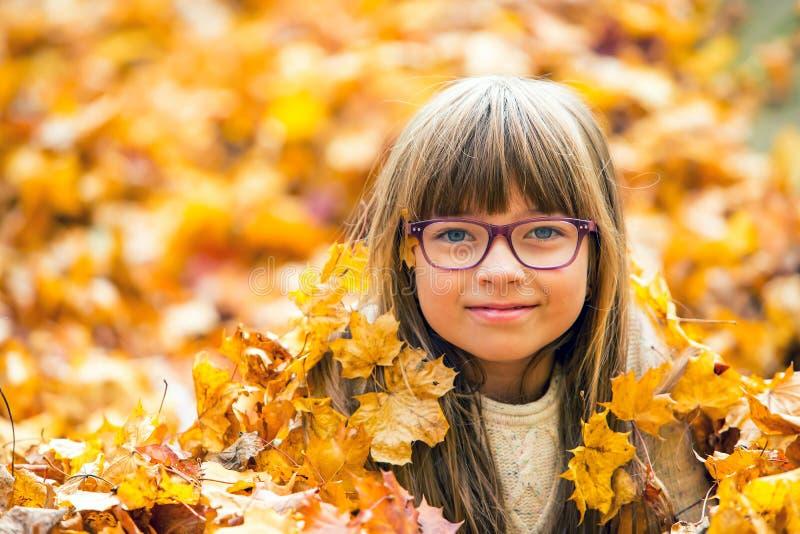 Jesieni dziewczyna obrazy royalty free