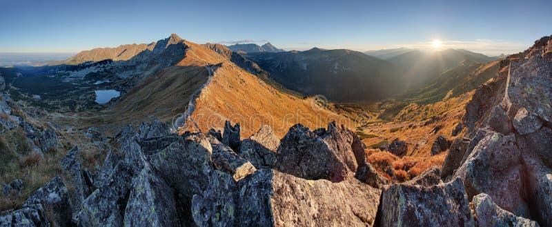 Jesieni góry krajobraz w Polska Tatras zdjęcia royalty free