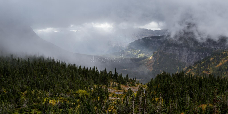 Jesieni góry landcape zdjęcia stock