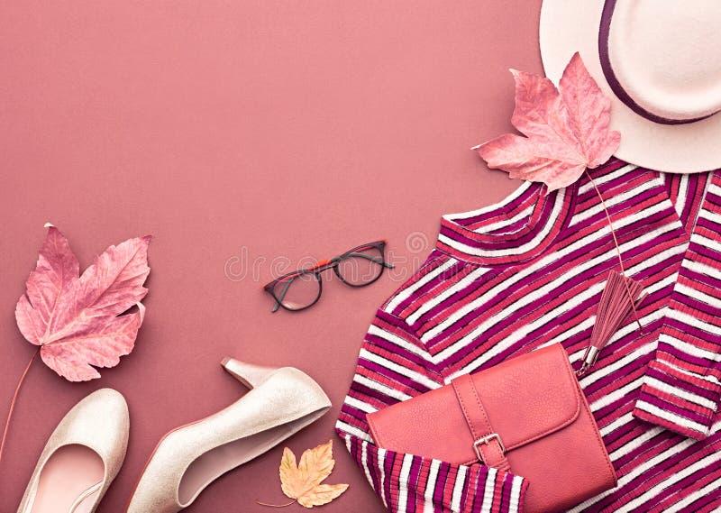 Jesieni mody damy ubrania Ustawiający Liście Rocznik zdjęcie royalty free