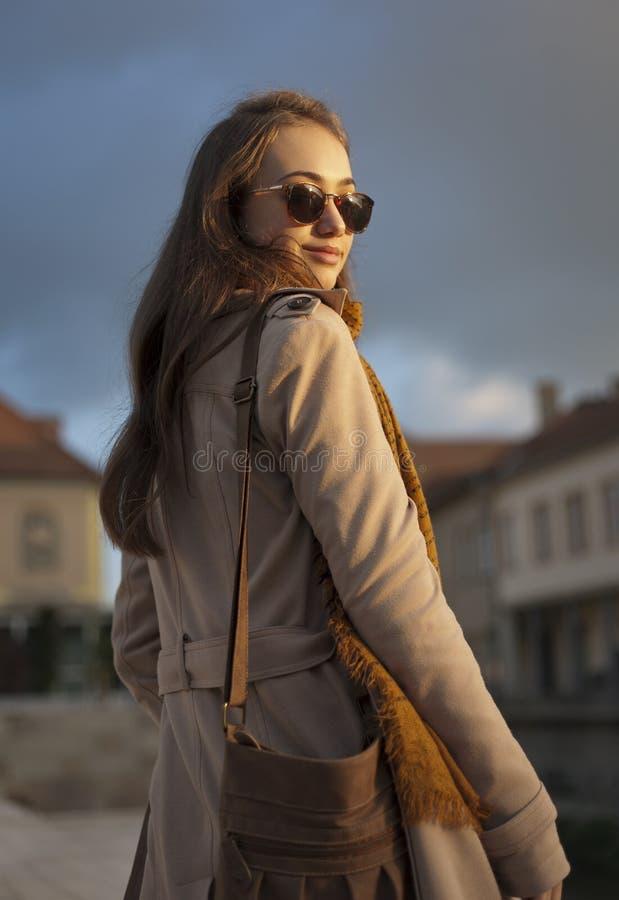 Download Jesieni mody piękno zdjęcie stock. Obraz złożonej z jesienny - 65225900