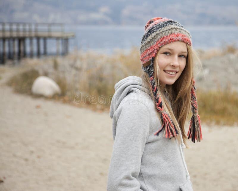 Jesieni Nastoletnia dziewczyna obraz royalty free
