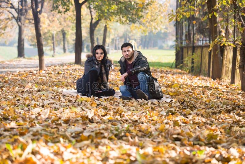 Jesieni pary portrety zdjęcie stock
