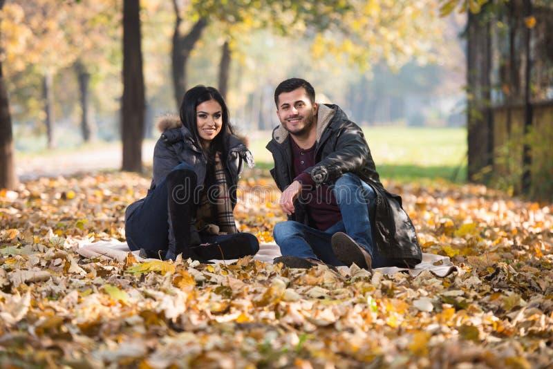 Jesieni pary portrety zdjęcie royalty free