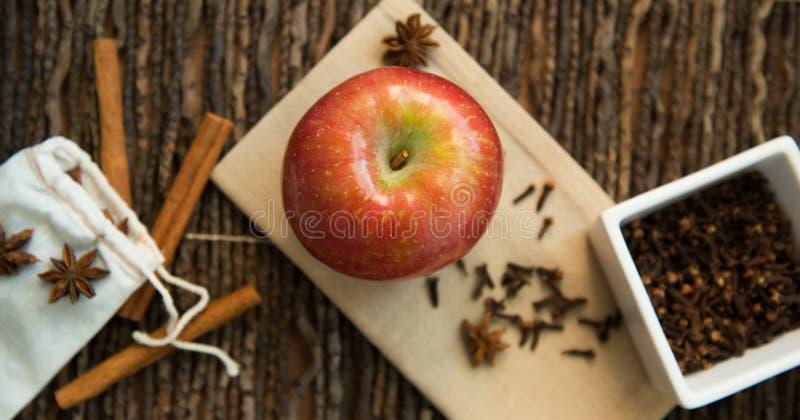 Jesieni pikantność w wieśniaka wciąż życiu i smaki obraz royalty free
