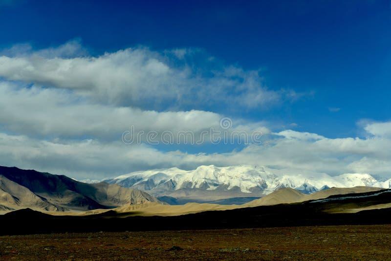 Jesieni sceneria Pamirs obraz royalty free