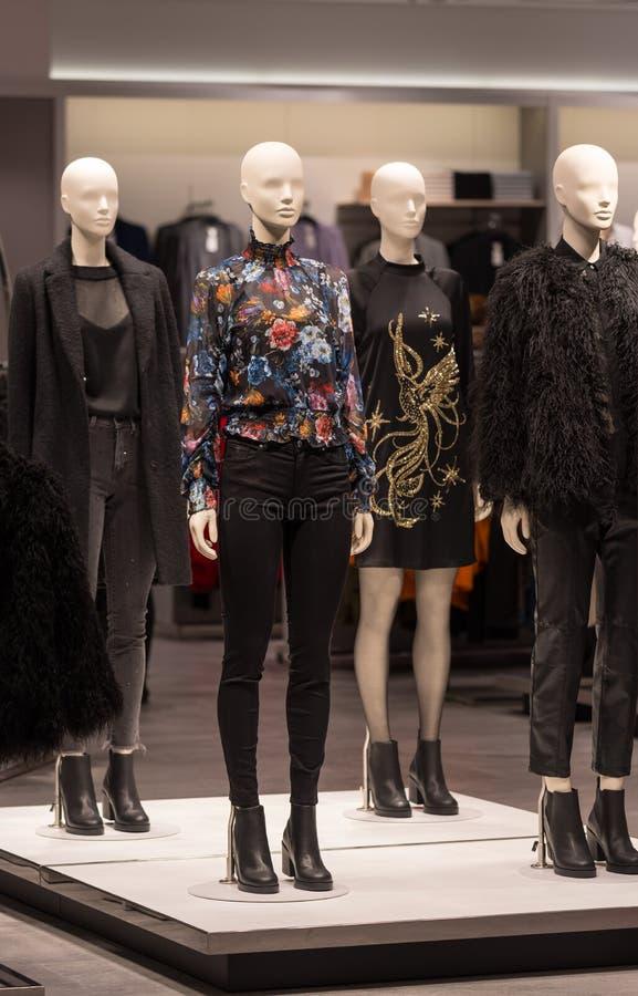Jesieni zimy mody odzieży sklep zdjęcie royalty free