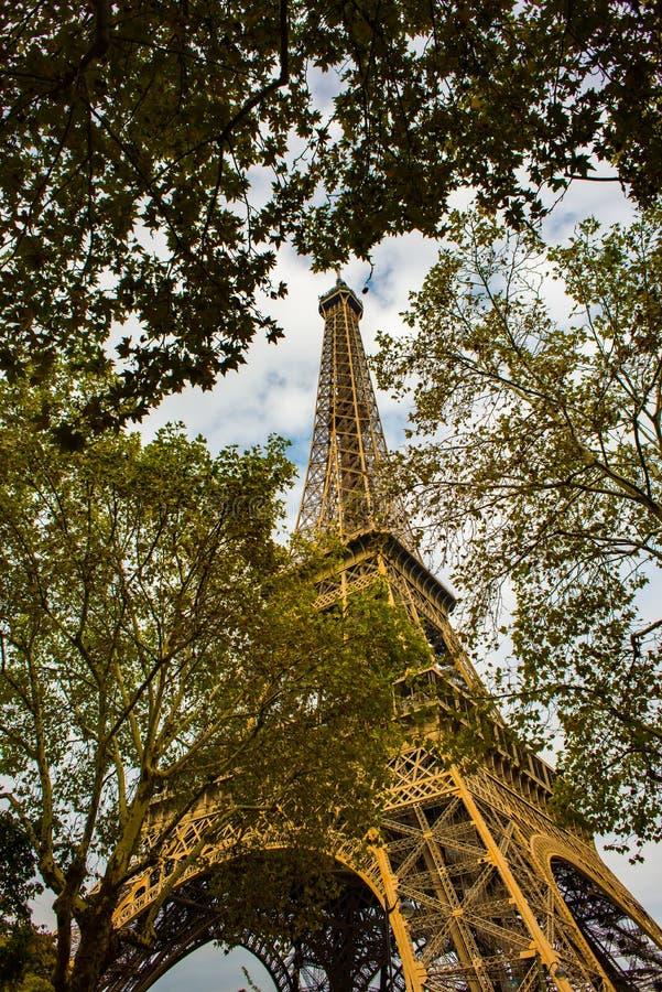 Jesienny Paryż, wieża eifla fotografia stock
