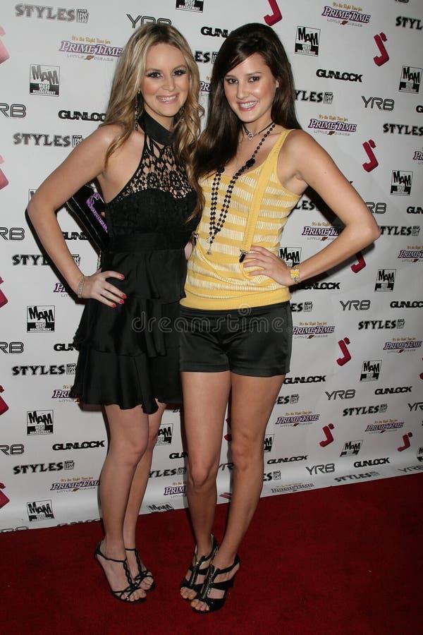Jessica Kinni en Zoe Myers bij de Partij van de Première van het Debuut van de Muziek J.Smith Video. Les Deux, Hollywood, CA. 02-2 royalty-vrije stock afbeelding