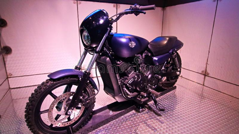 Jest kapitanem Ameryka bawić się aktora Chris Evans motocyklem fotografia royalty free