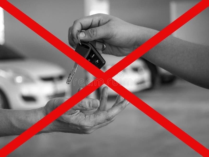 Jest ostrożny o dawać samochodowi ktoś inny obrazy stock