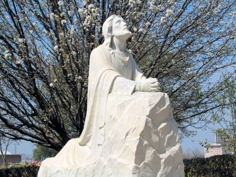 Jesus, betend im Garten lizenzfreies stockfoto