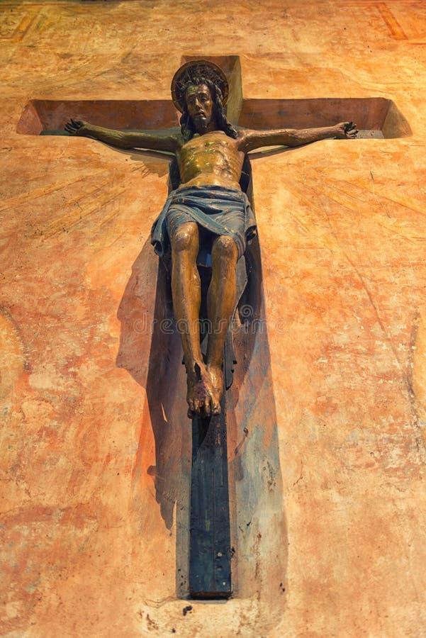 Jesus Christ auf Kreuz in Abbbey von Pomposa lizenzfreie stockfotos