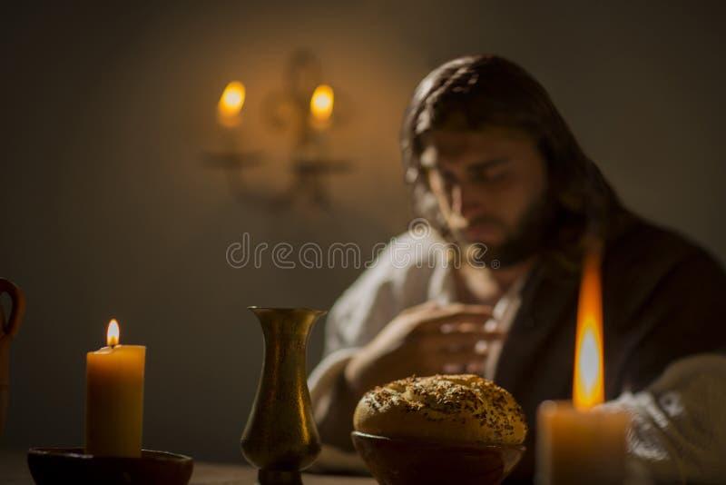 Jesus Christ, der das Gebet hält stockbild