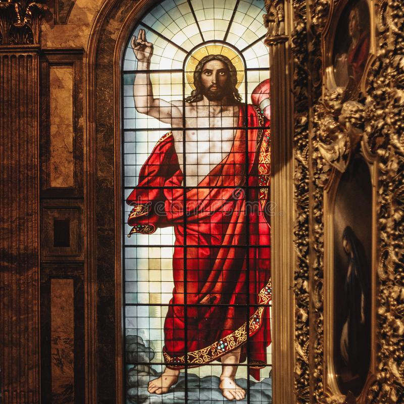 Jesus Christ-gebrandschilderd glasvenster in St Isaac Cathedral royalty-vrije stock foto's