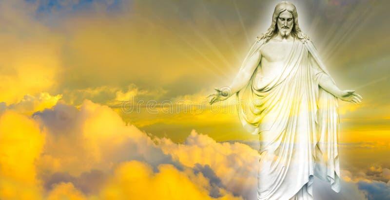 Jesus Christ i panorama- bild för himmel arkivfoto