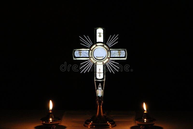Jesus Christ no sacramento do altar imagem de stock