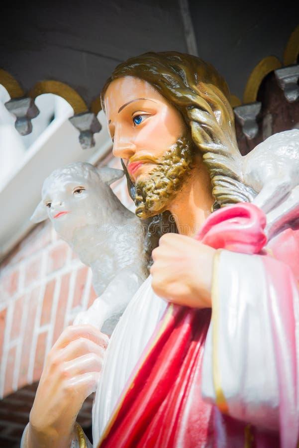 Jesus Christ-standbeeld voor StMary-Kathedraal in Yangon, Myanmar royalty-vrije stock fotografie