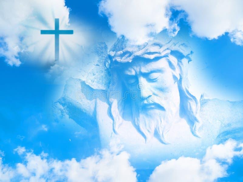 Jesus Christ vänder mot och det kristna korset i himlen royaltyfri fotografi