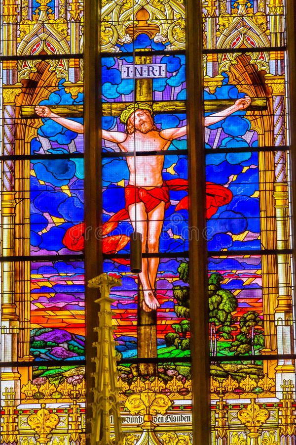 Jesus Crucifixion Stained Glass All-Heilig-Schloss-Kirche Schloss stockfotos