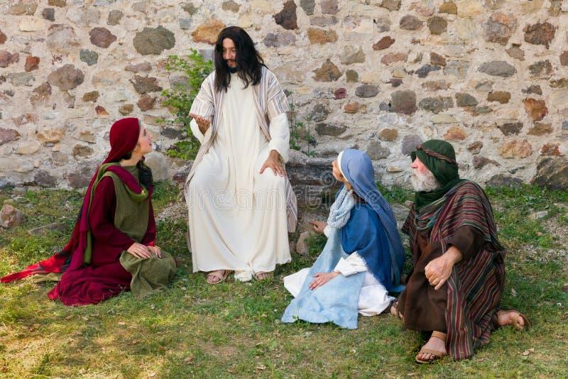 Jesus die aan de mensen prediken royalty-vrije stock afbeelding