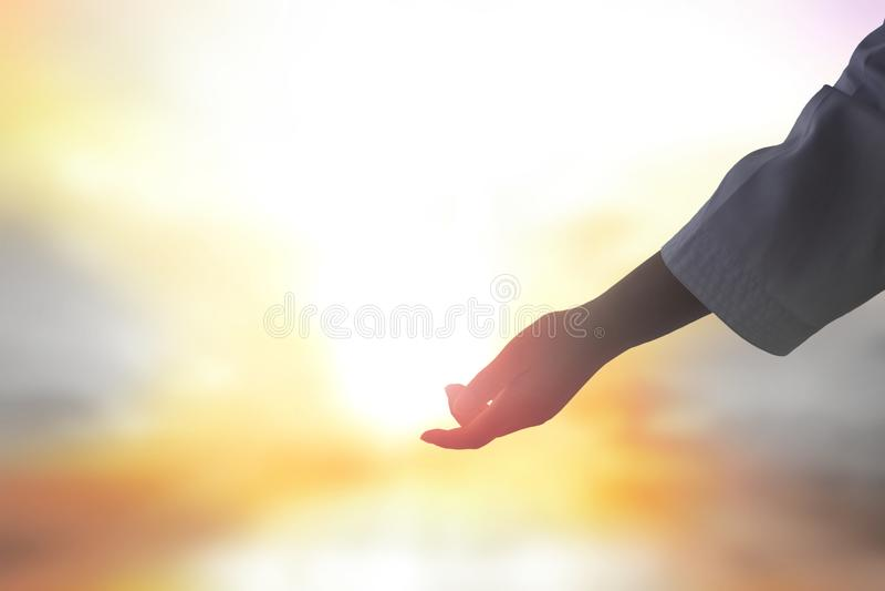 Jesus hjälpte handen arkivfoto