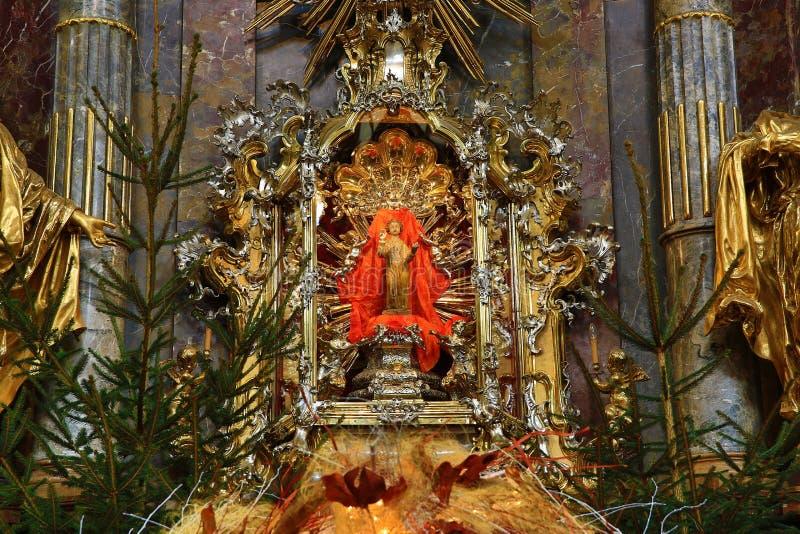 Jesus infantil de Praga (Checo: Tko do ¡ de Jezulà do ské do ¾ de PraÅ;), igreja de nossa senhora foto de stock royalty free