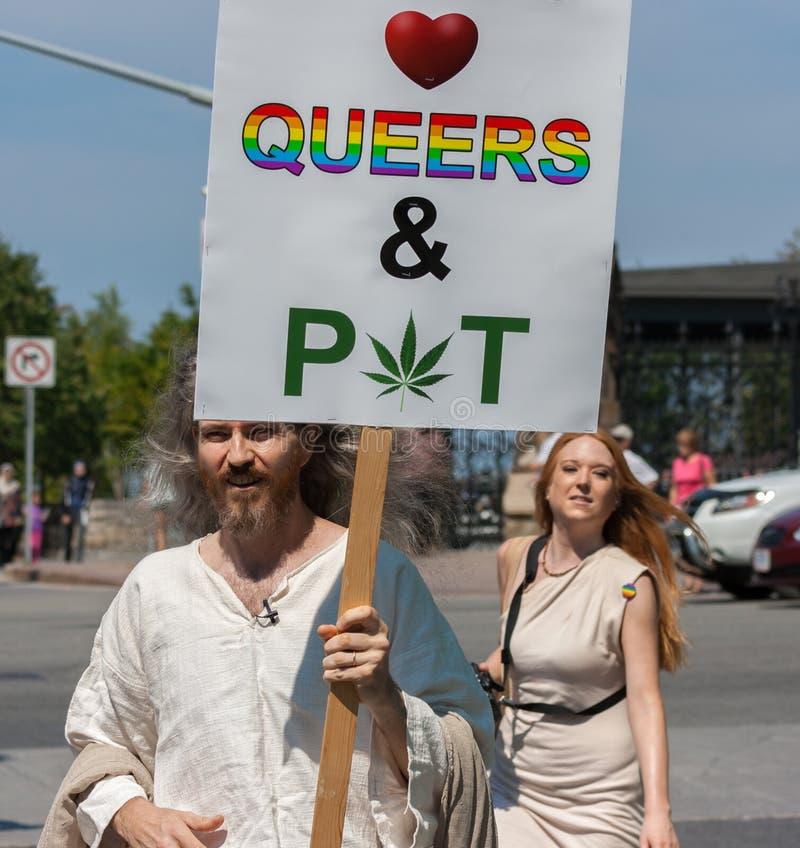 Jesus Loves Queers und Topf stockbild