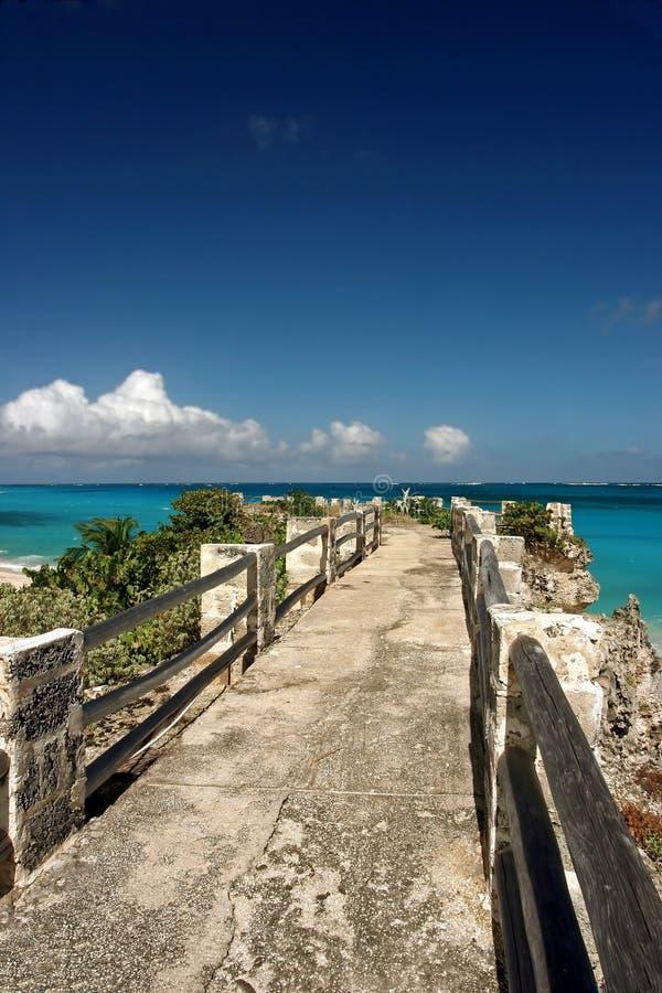 Jetée à la plage de seigneurs de sam, Barbade image stock