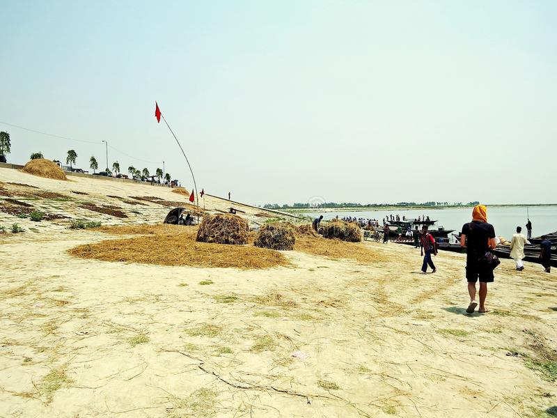 jetée à la rivière de Jamuna, Sariakandi Bogra image stock