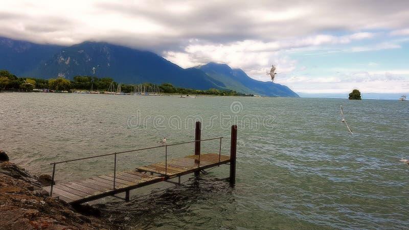 Jetée chez le Lac Léman Suisse image stock