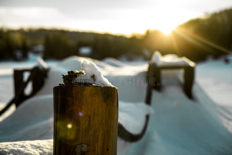 Jetée pendant l'hiver photo stock