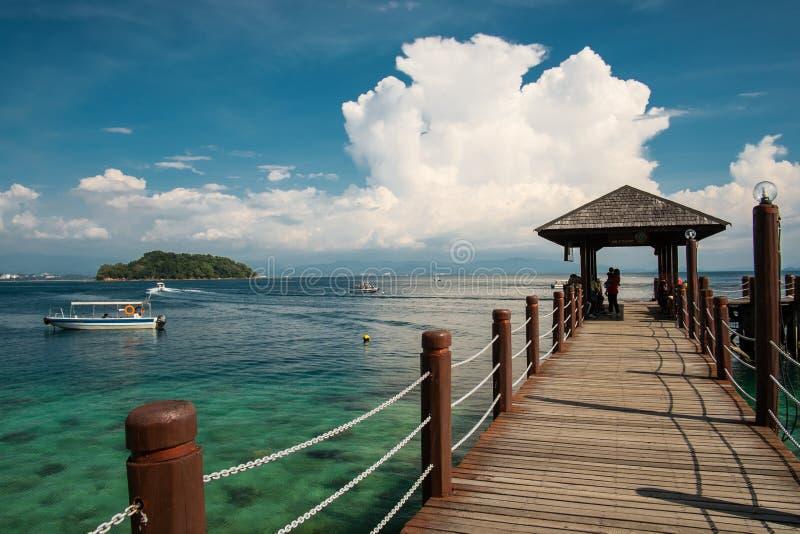 Jetée sur l'île de Manukan image libre de droits