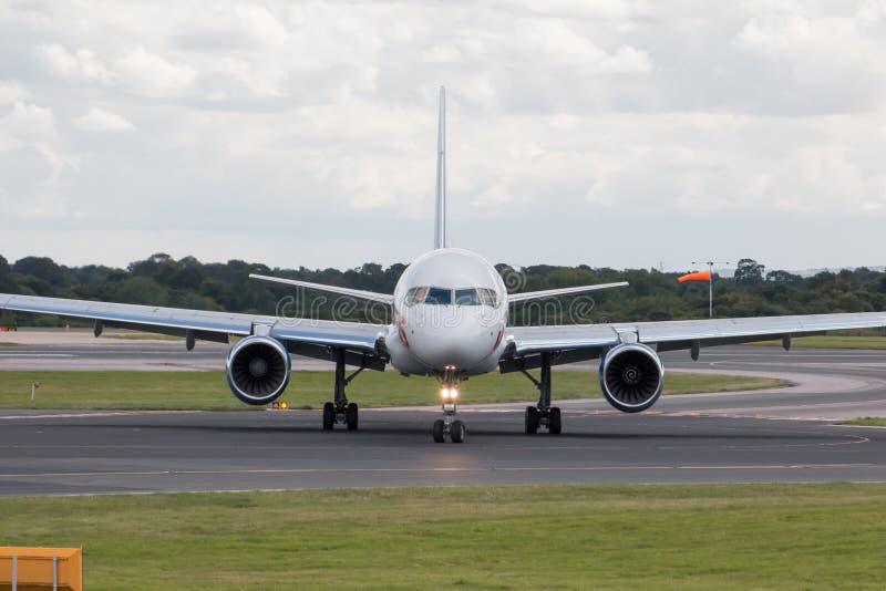 Jet2 праздники Боинг 757 стоковое фото