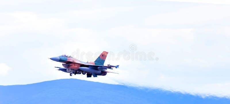 Download Jet In The Air After Som Tar Av Redaktionell Arkivfoto - Bild av start, quick: 76701333